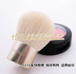 MERLE NORMANpowder brush 蜜粉/腮红蘑菇刷