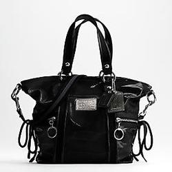 蔻驰POPPY系列黑色漆皮两用包