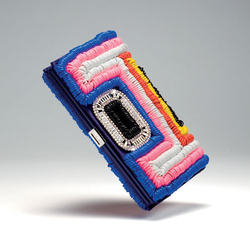 罗杰・维威耶2011春夏塑胶绳手包