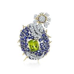 Tiffany & Co蓝宝石、橄榄石和钻石兰花草胸针