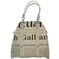 John Galliano米黄色字母LOGO报纸图文印花手提包